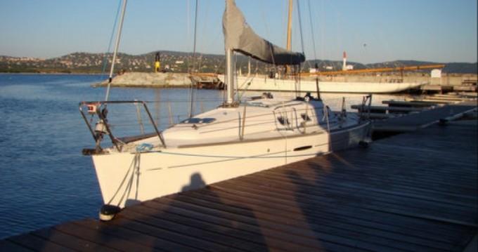 Location bateau Bénéteau First 31.7 à Cavalaire-sur-Mer sur Samboat