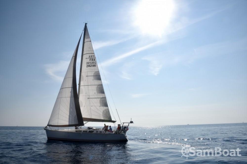 Segelboot mit oder ohne Skipper Jeanneau mieten in Bandol