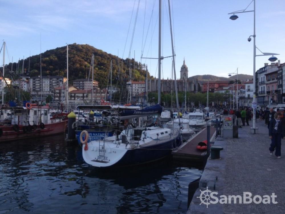 Location bateau Saint-Sébastien pas cher First 40.7