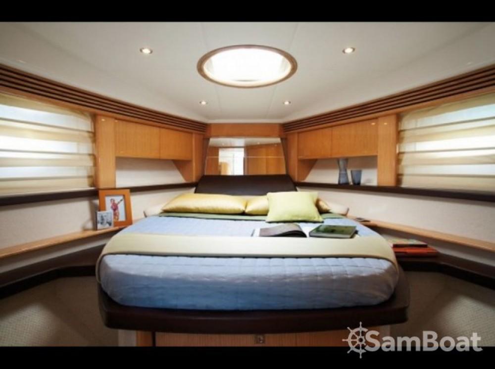 Location bateau Absolute Yachts 47 sport à Mandelieu-la-Napoule sur Samboat