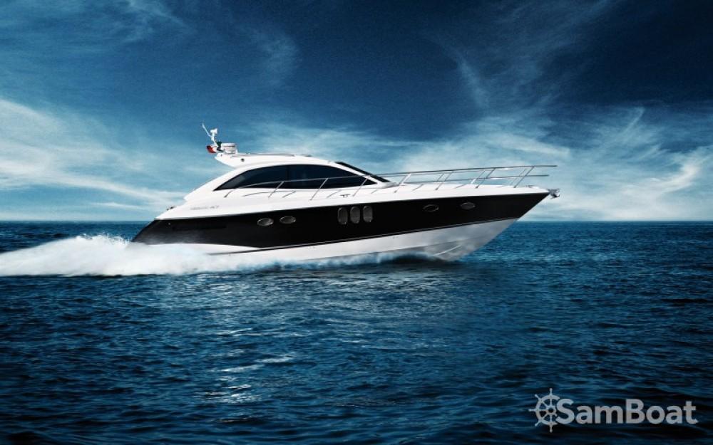 Location Bateau à moteur à Mandelieu-la-Napoule - Absolute Yachts 47 sport