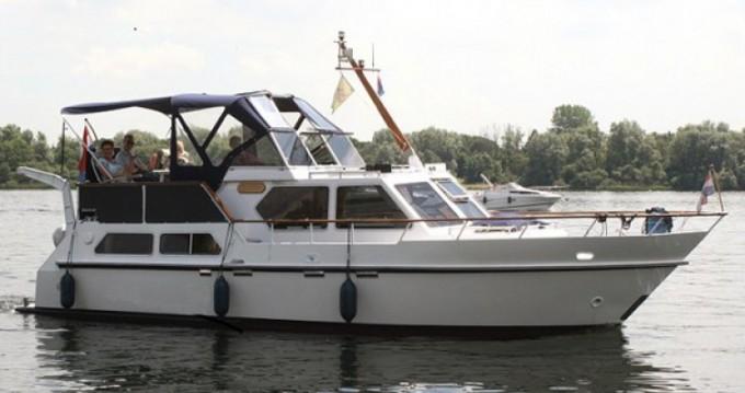 Location bateau Beach-Craft Vedette hollandaise à Amiens sur Samboat