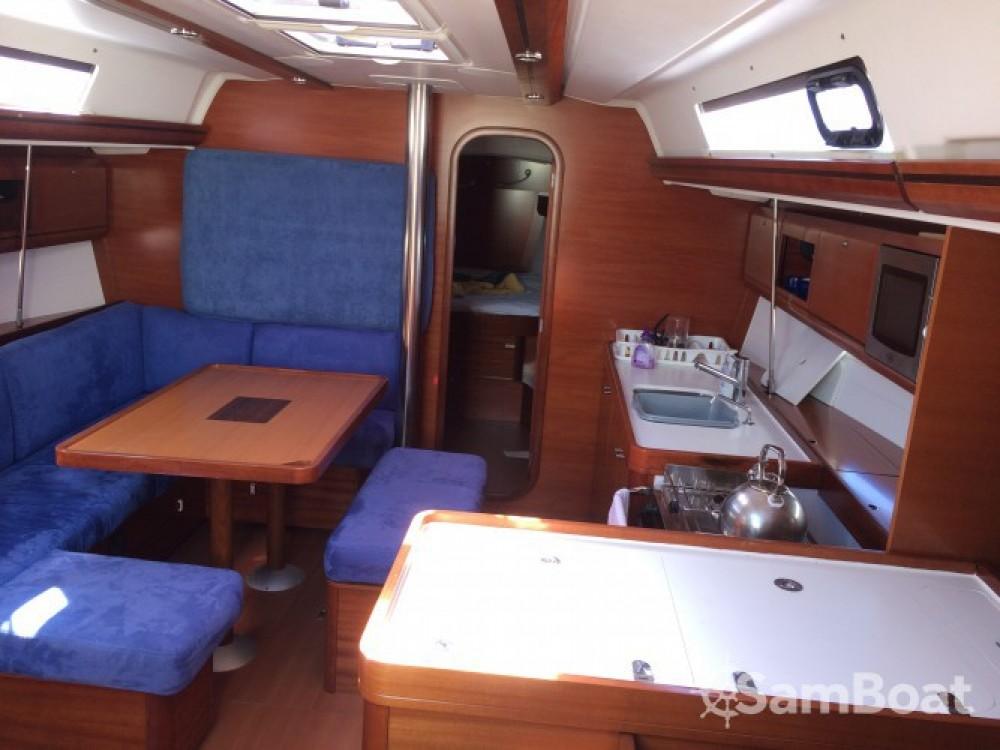 Louez un Dufour Dufour 405 Grand Large à Saint-Mandrier-sur-Mer