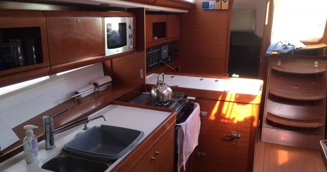 Location bateau Dufour Dufour 405 Grand Large à Saint-Mandrier-sur-Mer sur Samboat