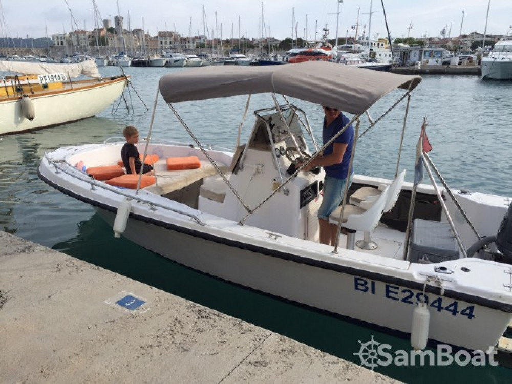Hire Motor boat with or without skipper Hillsboro-Marine Antibes