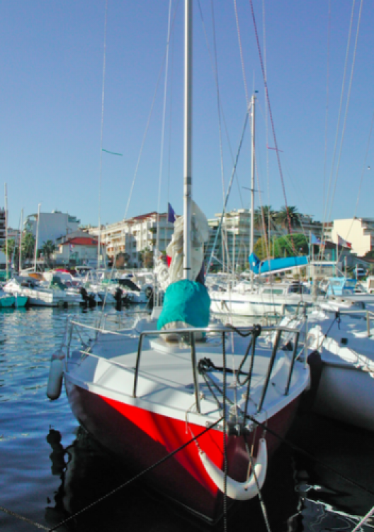 Louez un Edel Edel 6.65 à Provence-Alpes-Côte d'Azur