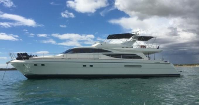 Location bateau Saint-Tropez pas cher Guy Couach 2100