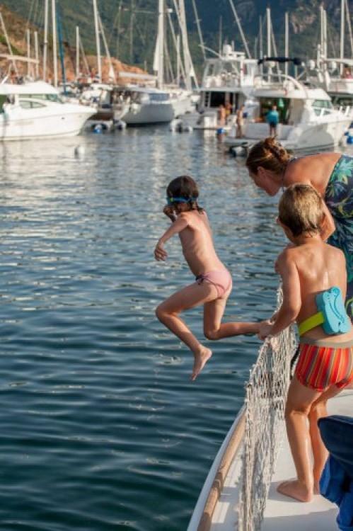 Louez un Lagoon Lagoon 400 à Hyères