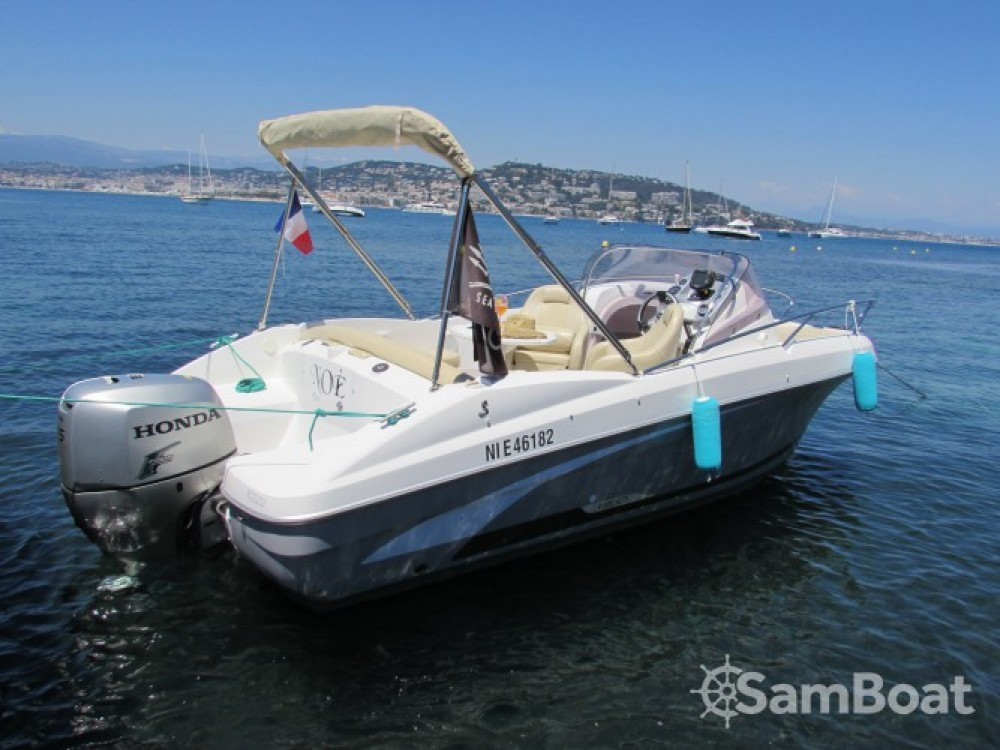 Rent a Bénéteau Flyer 650 Sun Deck Cannes