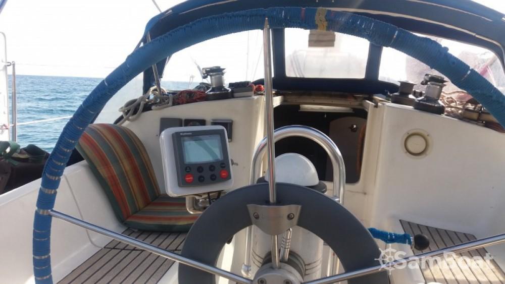 Louer Voilier avec ou sans skipper Jeanneau à Toulon