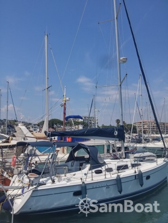 Boat rental Port Camille Rayon cheap Hunter 36
