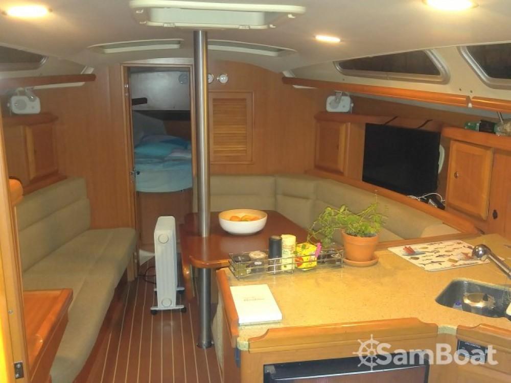 Location yacht à Port Camille Rayon - Hunter-Marine Hunter 36 sur SamBoat