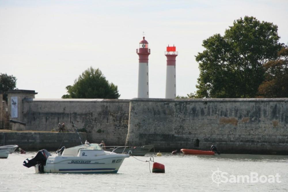 Mariner ibiza entre particuliers et professionnel à La Rochelle