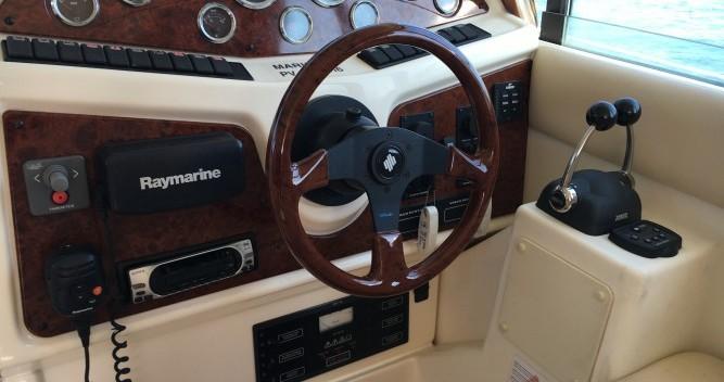 Location bateau Jeanneau Prestige 32 à Hyères sur Samboat