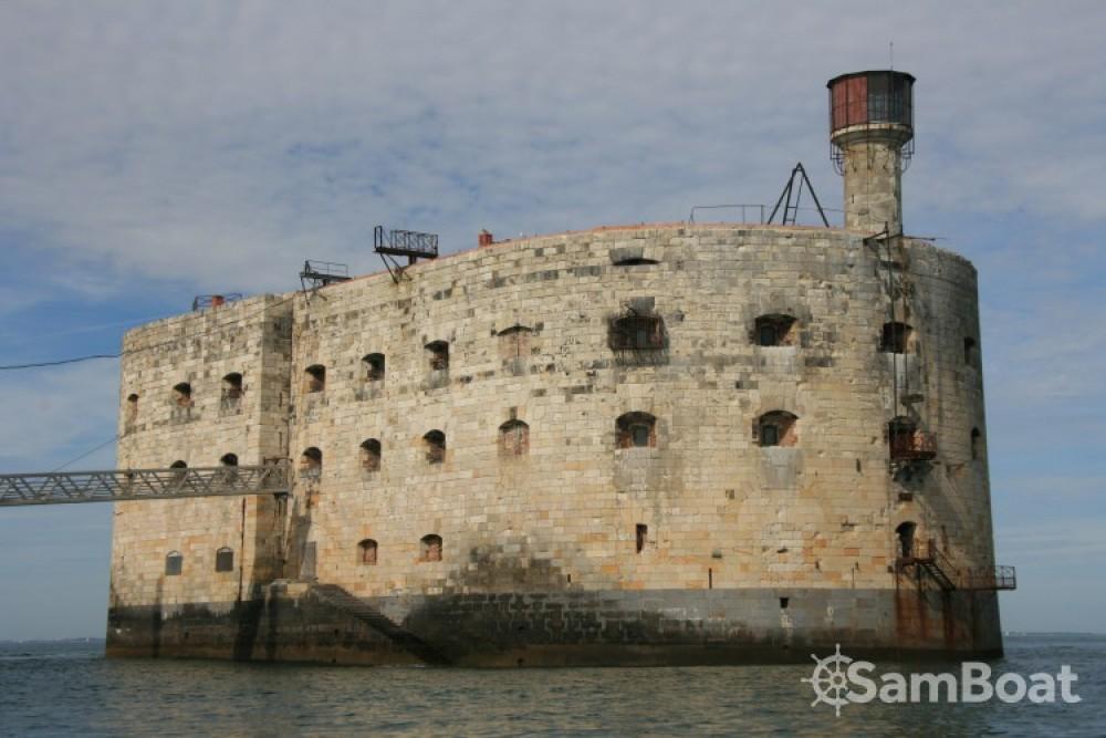 Louer Semi-rigide avec ou sans skipper Mariner à La Rochelle