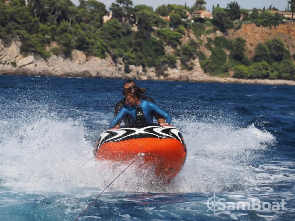 Location bateau Bénéteau Flyer 650 Sun Deck à Toulon sur Samboat