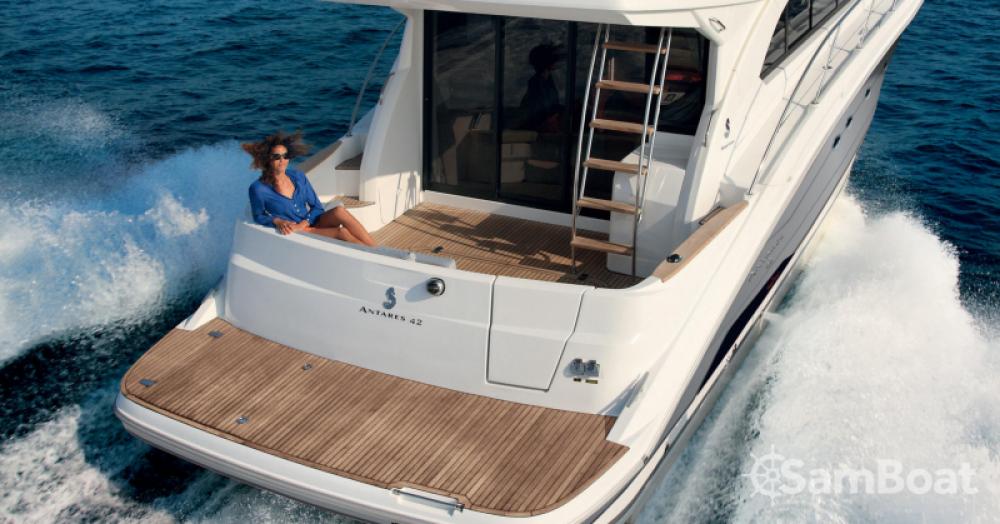 Rental yacht Marseille - Bénéteau Antares 42 on SamBoat