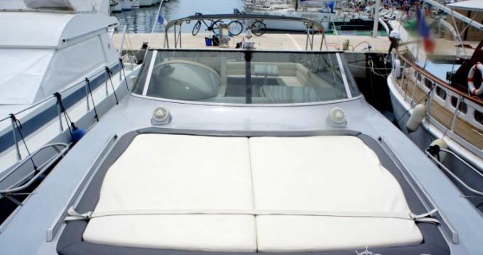 Louez un Solare Blade Marine 50 à Cannes
