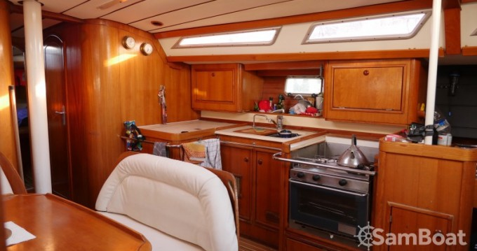 Location yacht à Saint-Mandrier-sur-Mer - Jeanneau Sun Odyssey 44 sur SamBoat