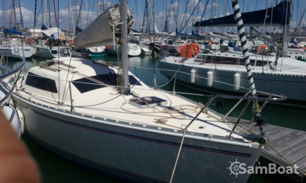 Hire Sailboat with or without skipper Jeanneau La Rochelle