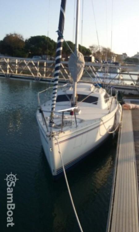 Location bateau La Rochelle pas cher Tonic 23