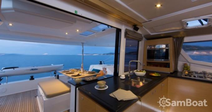 Louer Catamaran avec ou sans skipper Fountaine Pajot à Mandelieu-la-Napoule
