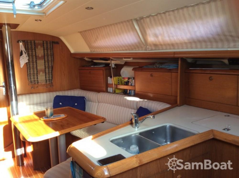 Location bateau Jeanneau Sun Odyssey 37 à Bonifacio sur Samboat