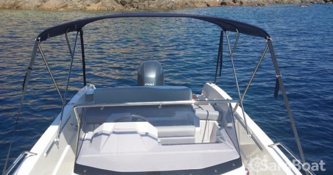 Louez un Pacific Craft Open 670 à Golfe de Santa Giulia