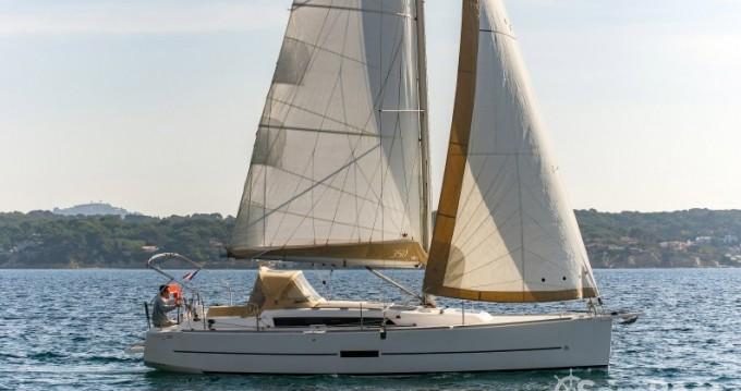 Location bateau Sanary-sur-Mer pas cher Dufour 350 Grand Large
