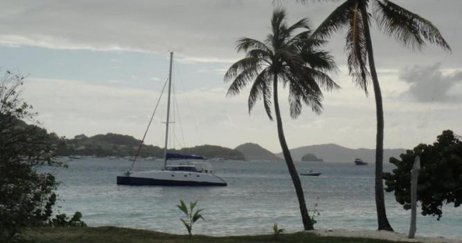 Louez un Multicap-Caraibes Punch 12.50 à Pointe-à-Pitre