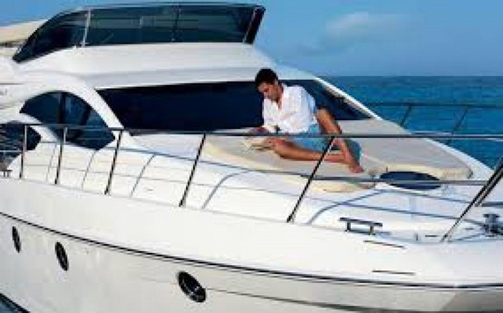 Location yacht à Cannes - Azimut Azimut 43 Fly sur SamBoat