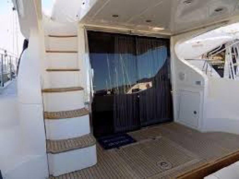 Location bateau Cannes pas cher Azimut 43 Fly