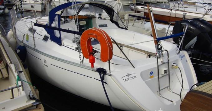 Location bateau Dufour Dufour 30 Classic à Saint-Raphaël sur Samboat