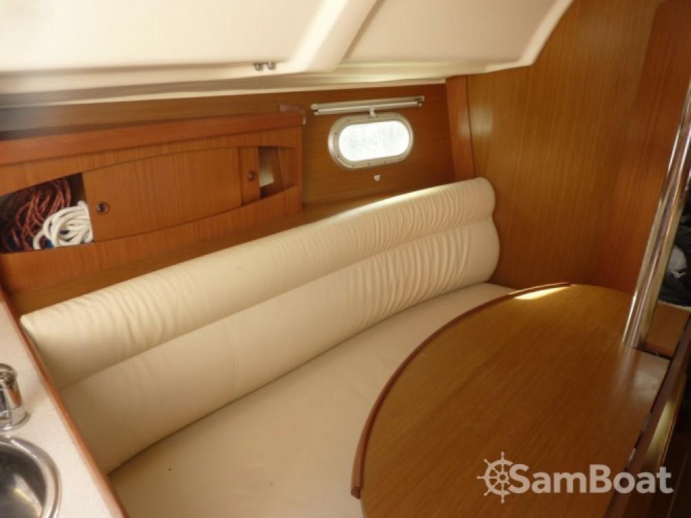 Location bateau Jeanneau Sun Odyssey 29.2 Legend à Hyères sur Samboat