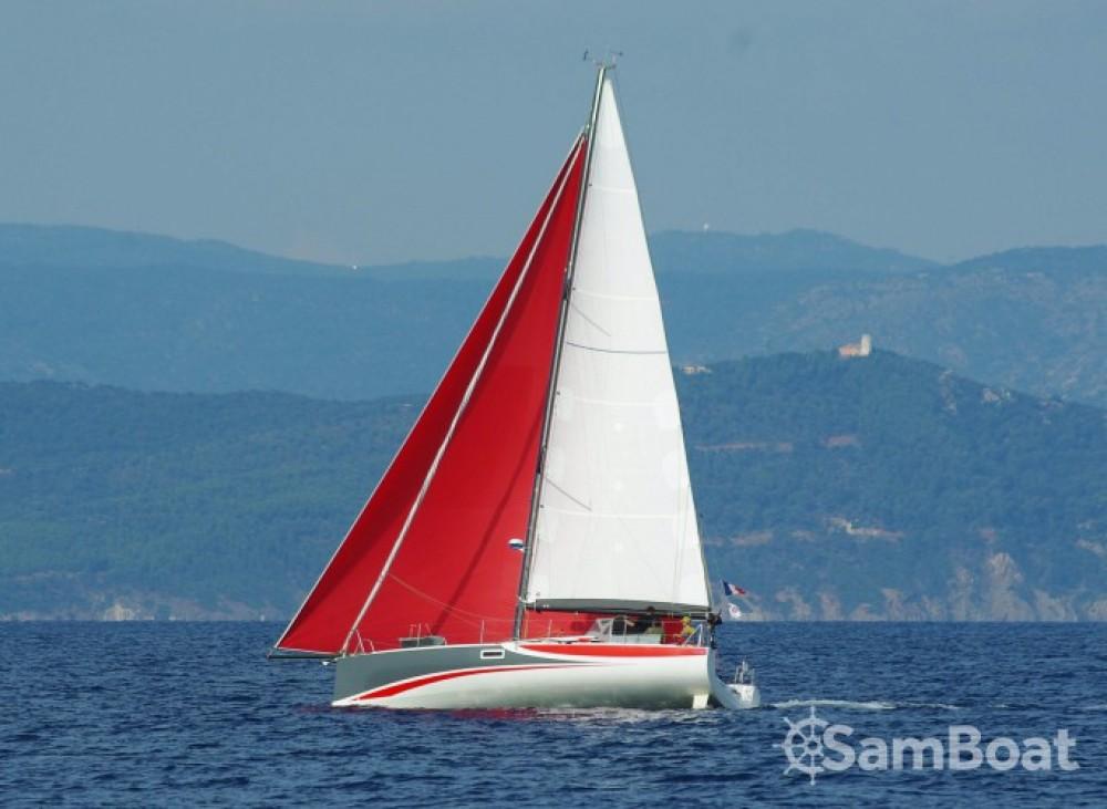 Noleggio Barca a vela Pogo Structures con un permesso di
