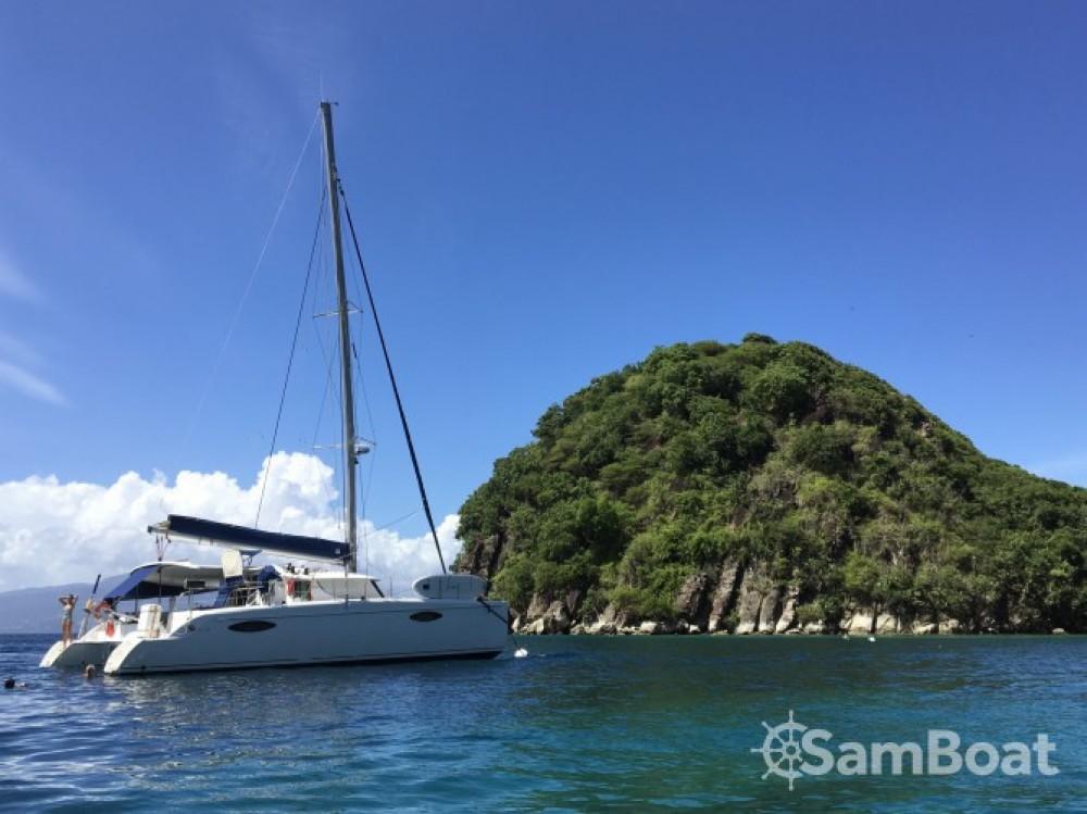 Location bateau Fountaine Pajot Orana 44 à Pointe-à-Pitre sur Samboat
