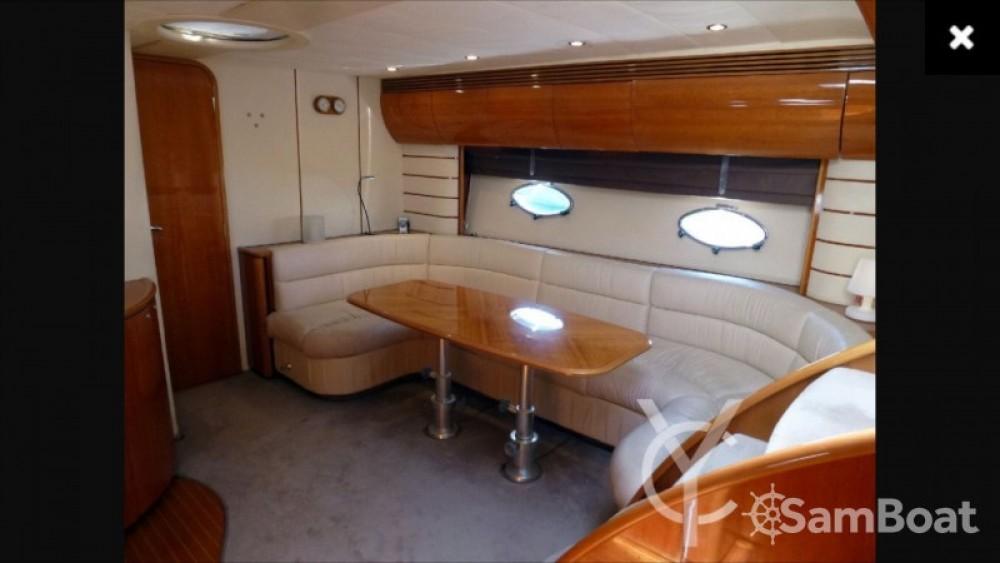 Location bateau Mandelieu-la-Napoule pas cher Princess V50