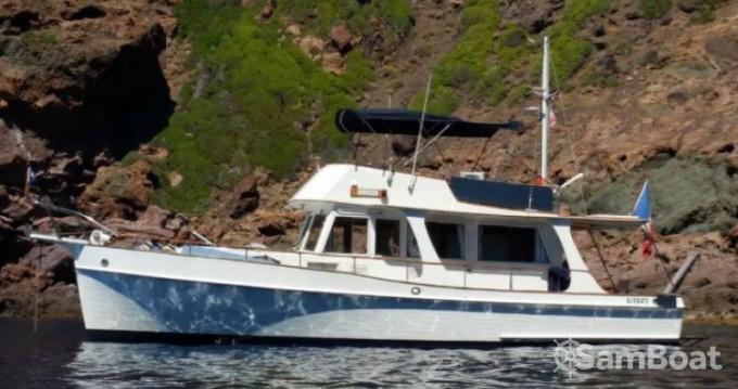 Louer Bateau à moteur avec ou sans skipper Grand Banks à Port Grimaud