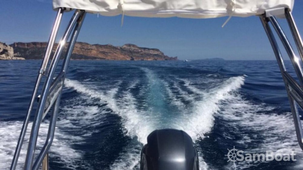Location bateau Capelli Tempest 700 Sun  ( 2017 ) à Marseille sur Samboat