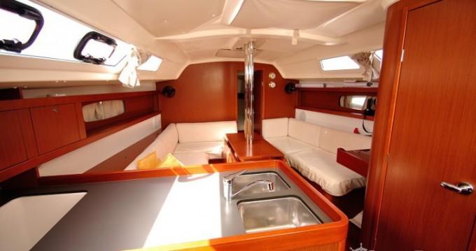 Location bateau Bénéteau Oceanis 34 à Cagliari sur Samboat