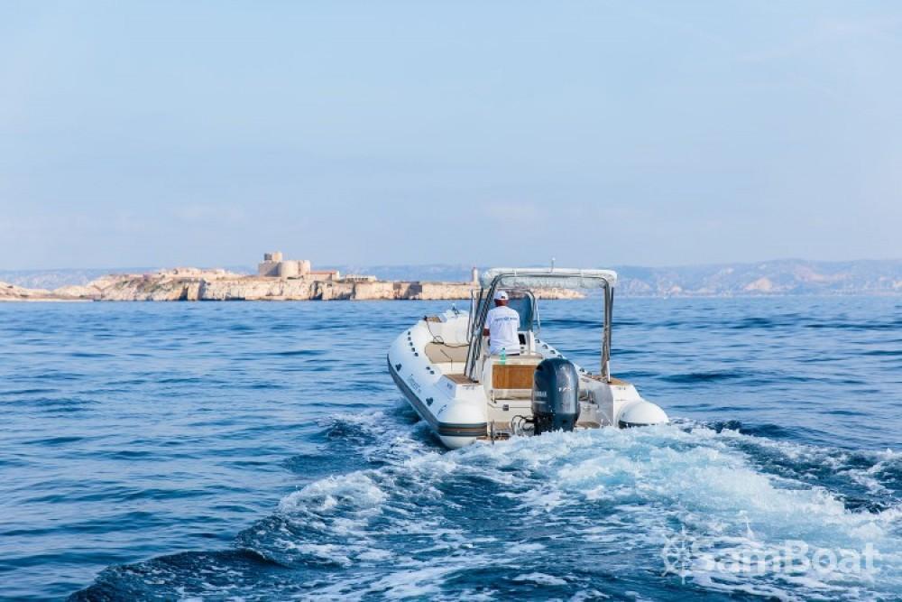 Location bateau Marseille pas cher Tempest 700 Sun  ( 2017 )