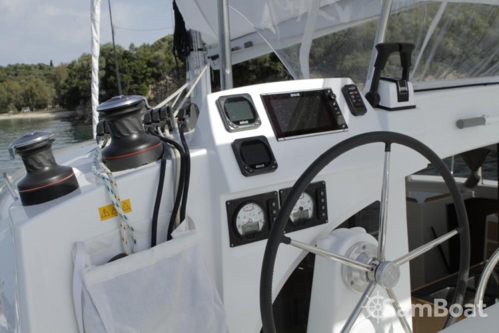 Lagoon Lagoon 380 entre particuliers et professionnel à Preveza