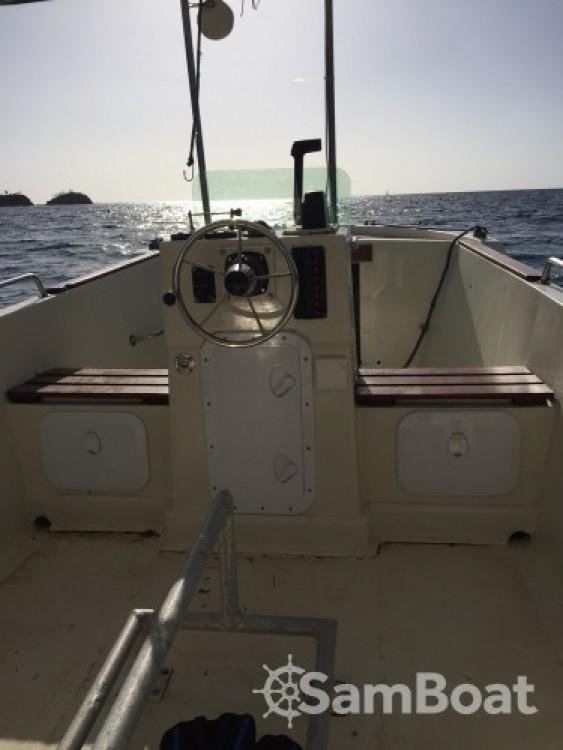 Louer Bateau à moteur avec ou sans skipper Cna à Bouillante