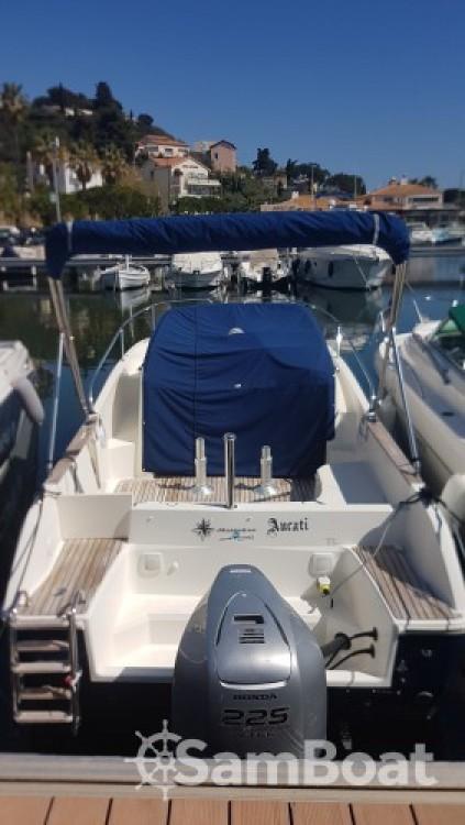 Jeanneau Cap Camarat 7.5 WA entre particuliers et professionnel à Saint-Mandrier-sur-Mer