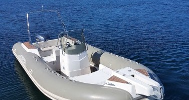 Location bateau Porto-Vecchio pas cher Tempest 770