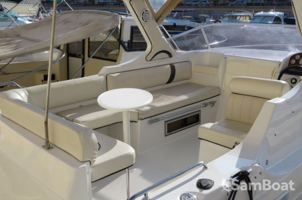 Location bateau Mandelieu-la-Napoule pas cher Riviera 24