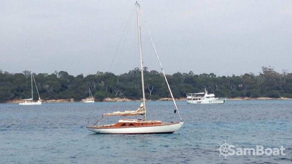 Location bateau Antibes pas cher Classic Sloop 37
