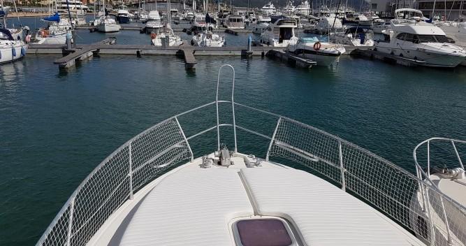 Location bateau Port Grimaud pas cher Azimut 37 Fly