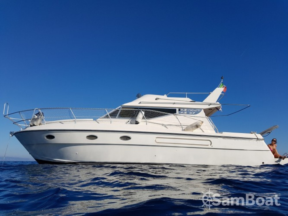 Location yacht à Port Grimaud - Azimut Azimut 37 Fly sur SamBoat