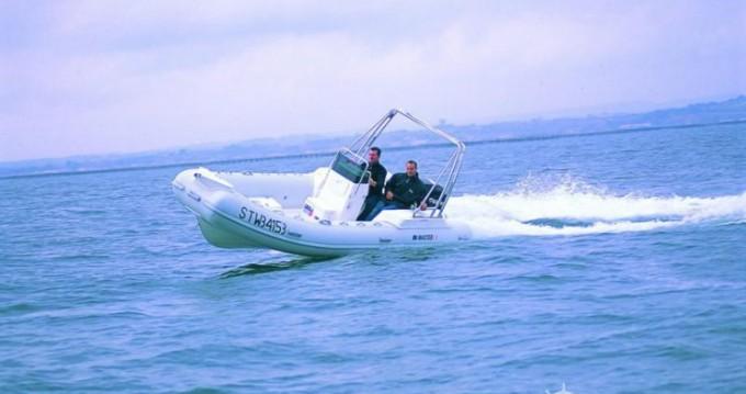Louer Semi-rigide avec ou sans skipper Master à Porto-Vecchio